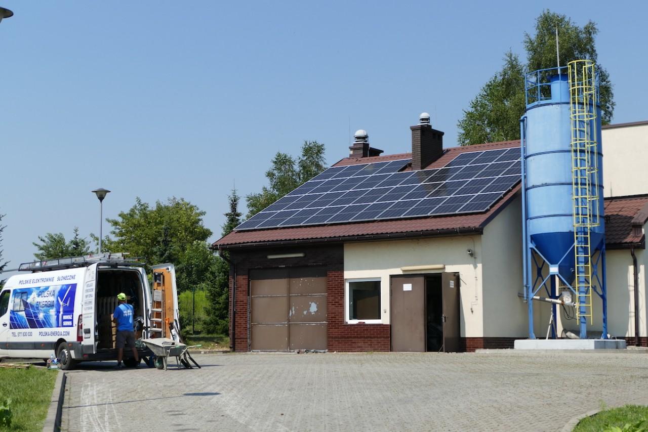 Słoneczna oczyszczalnia Instalacja gruntowa Piekary Śląskie fotowoltaika Polska Energia Andrychów