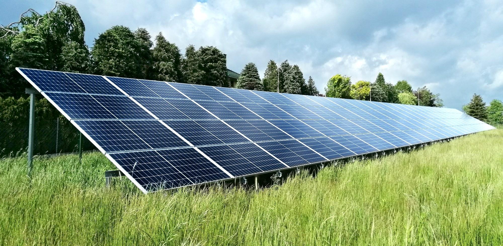 Polska Energia fotowoltaika Instalacja gruntowa dwupodporowa 30kWp
