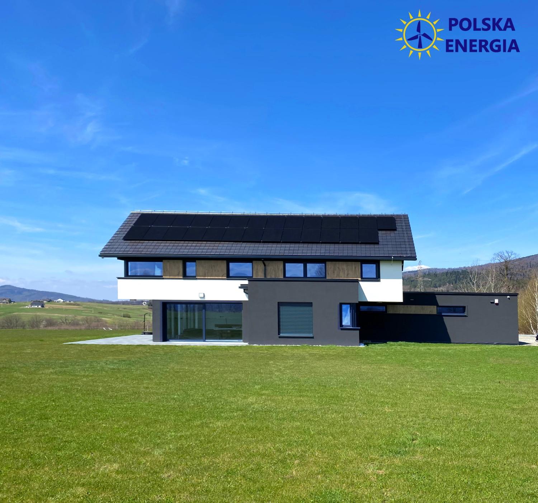 Instalacja fotowoltaiczna w Łodygowicach: panele FullBlack JASolar JAM60S21 z falownikiem Huawei SUN2000. Polska Energia Andrychów
